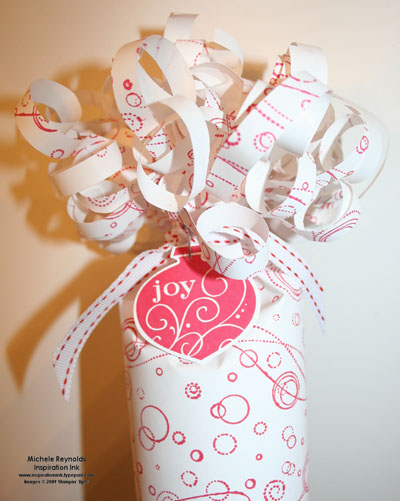 Delightful decorations tube gift top watermark