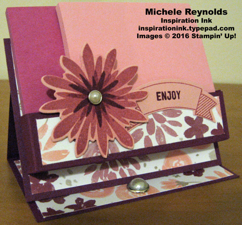 Flower patch post it note holder
