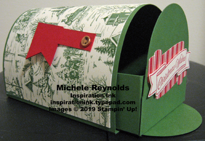 Toile christmas mail box flag side open